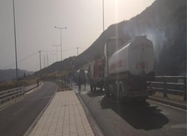 Νέα πυρκαγιά εκδηλώθηκε στην Περιφερειακή Λεωφόρο Αιγάλεω (Φωτό)