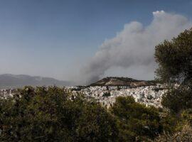 Πυρκαγιά ΤΩΡΑ σε οικία στα Καλύβια Αττικής