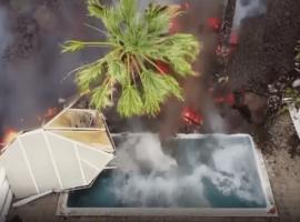 Λα Πάλμα: Η λάβα «καταπίνει» πισίνα – Απόκοσμες εικόνες (Βίντεο)