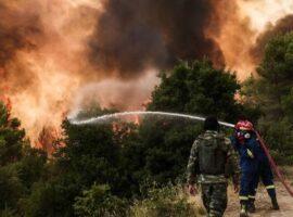 Πυρκαγιά ΤΩΡΑ στους πρόποδες της Πάρνηθας