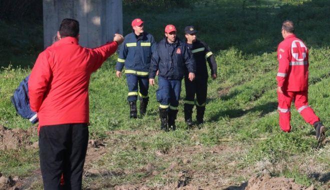 Παρέα νεαρών εγκλωβίστηκε σε φαράγγι - Επιχείρηση διάσωσης απο την Πυροσβεστική