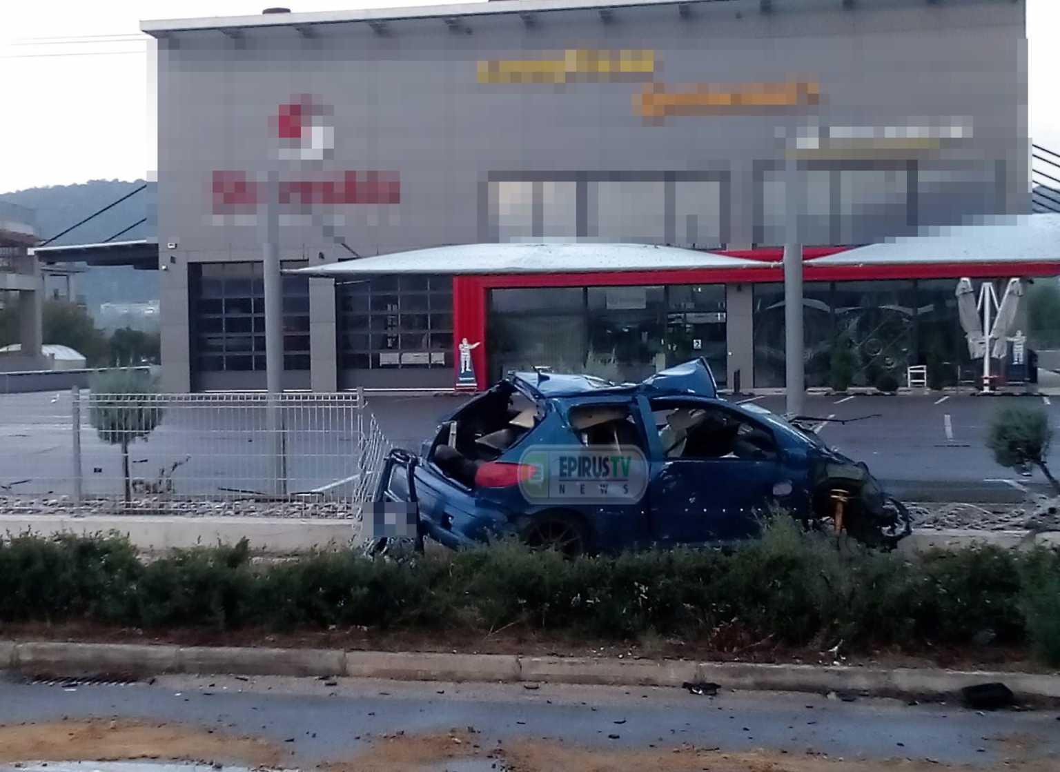 Τραγωδία στα Γιάννενα: Σκοτώθηκε νεαρός οδηγός σε τροχαίο – Διαλύθηκε το αυτοκίνητο