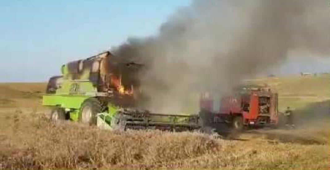 Πυρκαγιά σε γεωργικό μηχάνημα