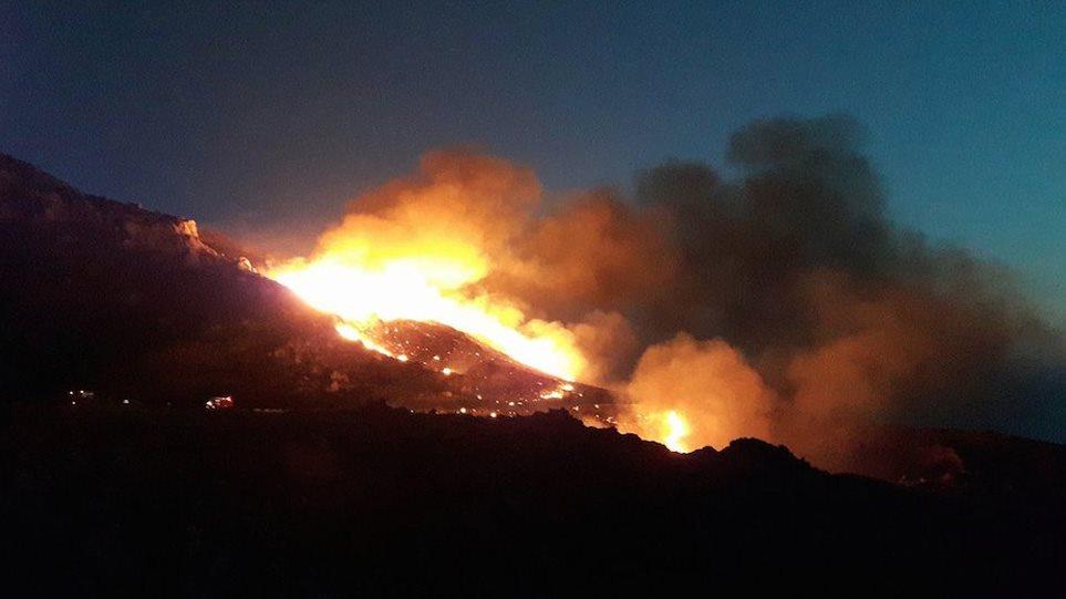 Ήπειρος: Σε εξέλιξη πυρκαγιά στην περιοχή μεταξύ Βωβούσας Διστράτου και Περιβολίου