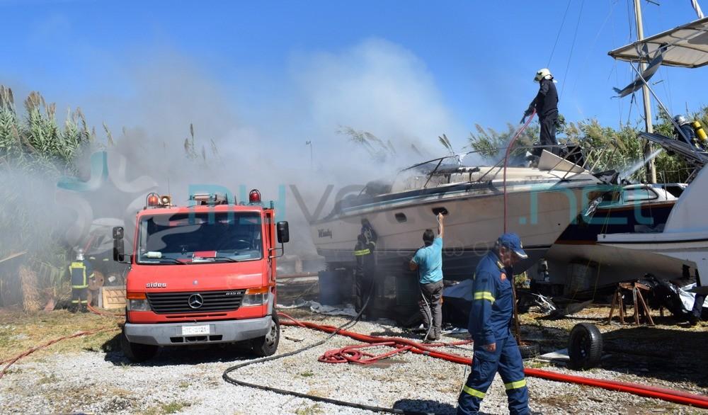Πυρκαγιά σε σκάφος στα Πευκάκια Βόλου