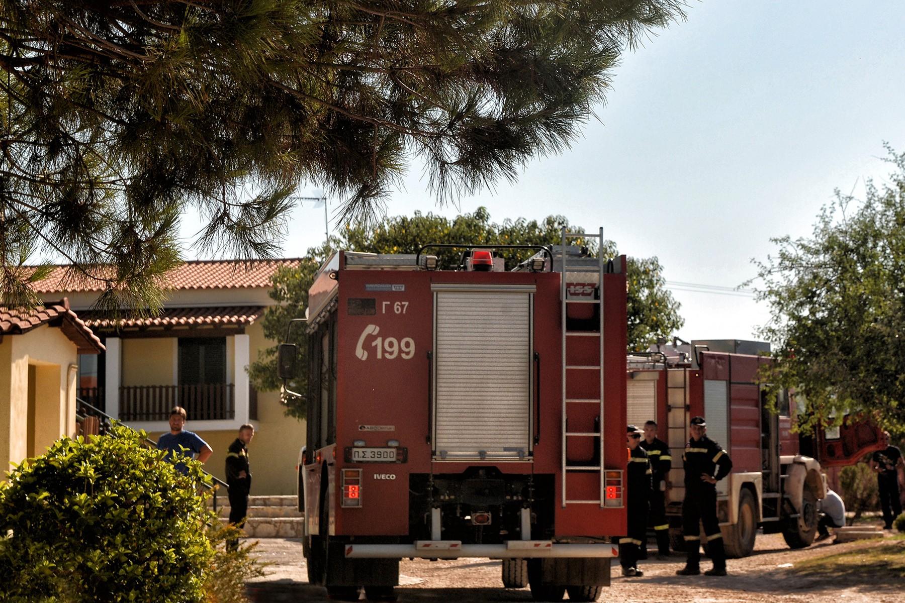 Πυρκαγιά σε κατοικία στη Μεσσήνη - Σωτήρια επέμβαση της Πυροσβεστικής για την διάσωση ηλικιωμένου