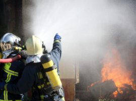 Πυρκαγιά σε αποθηκευτικό χώρο στην περιοχή Μεγάλο Δέρειο στο Σουφλί