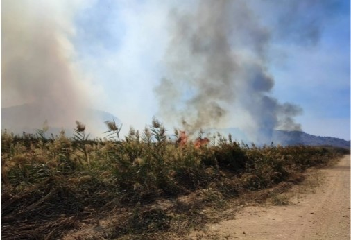 Ξηρόμερο: Πυρκαγιά σε εξέλιξη στο Βαλτί Αστακού – Επιχειρούν εναέρια μέσα (Φωτο)