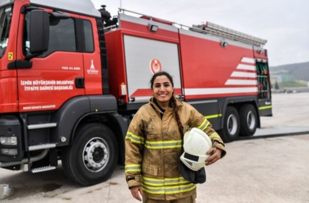 Οι πυροσβέστριες πού ανάβουν πολιτικές φωτιές στην Τουρκία