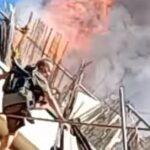 Πυρκαγιά στον Κολωνό: Συγκλονιστικό βίντεο απο την στιγμή που ένοικος πηδά από το Μπαλκόνι για να σωθεί