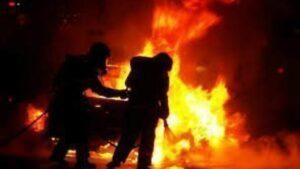 Πυρκαγιά δυο ΕΙΧ αυτοκίνητα στον Ωρωπό Αττικής