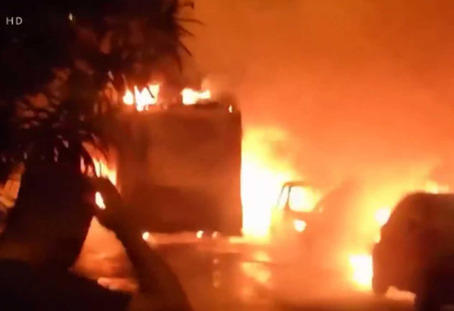 Πυρκαγιά σε απορριμματοφόρο και 11 αυτοκίνητα στα Πατήσια