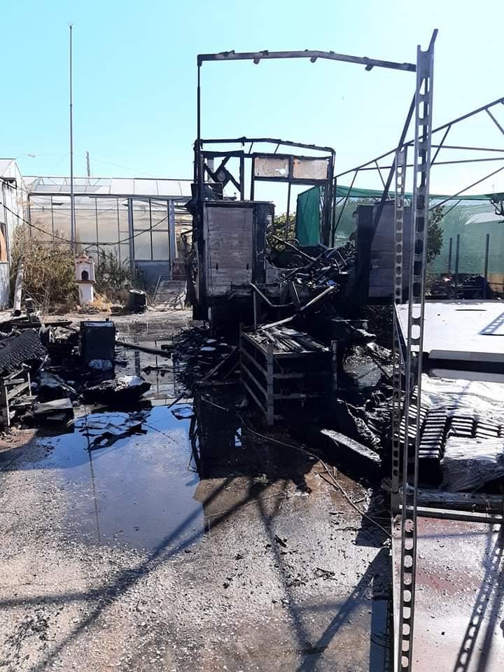 Φωτογραφικό υλικό από την πυρκαγιά σε φυτώριο στην Βάρη Αττικής