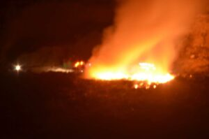 Πυρκαγιά στην χωματερή του Ευδήλου Ικαρίας.(φωτο)